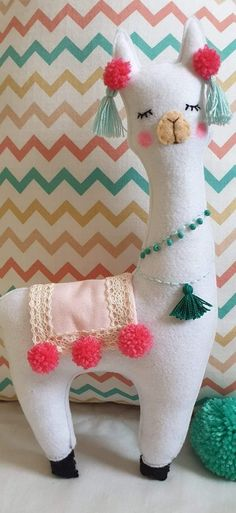 Diy Projects For Kids, Diy For Kids, Sewing Projects, Crafts For Kids, Dog Crafts, Felt Crafts, Fabric Crafts, Alpacas, Felt Patterns