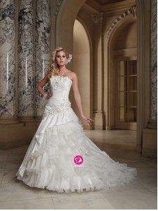 A-ligne Sans bretelles Traîne moyenne Robe de mariée en Taffetas avec Fleurs manuelles Ruché Ruches(FR0257062)