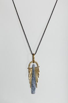 suzannah wainhouse / brass and kyanite crystal fringe necklace Jewelry Art, Jewelry Accessories, Jewelry Necklaces, Jewelry Design, Fashion Jewelry, Bijoux Art Nouveau, The Bling Ring, Schmuck Design, Crystal Jewelry