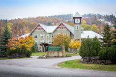 Escape the city for an authentic Calabogie Peaks experience with one of our hotel specials. Find the perfect special to make your trip memorable. Ottawa Hotels, Hotel Specials, Ontario, How To Memorize Things, Mansions, House Styles, City, Villas, Cities