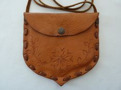 Vintage Hand Tooled Leather Purse / Pouch - Floral Design - Handmade by Artisan Tooled Leather Purse, Leather Tooling, Leather Purses, A 17, Hand Tools, Purses And Handbags, Saddle Bags, Shoulder Strap, Floral Design