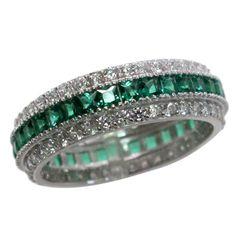 http://www.bfashionista.com/ Beautiful ring