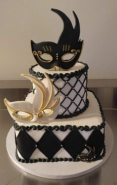 We will give you various cake design ideas for your reference Masquerade Party Cake, Masquerade Party Decorations, Sweet 16 Masquerade, Masquerade Wedding, Venetian Masquerade, Venetian Masks, Beautiful Cakes, Amazing Cakes, Occasion Cakes