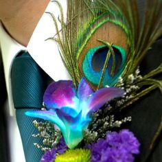 Peacock Boutineer