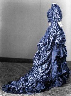 beautiful gown~~ silk satin, ca. 1876