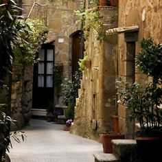 Village House for sale in Béziers, France : Unique century house with tower, interior courtyard, 5 en-suite bedrooms Tuscany Homes, French Property, Bedroom With Ensuite, Village Houses, The Masterpiece, Old Doors, 17th Century, French Homes, Italy