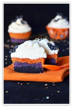 Cupcakes a diario: Cupcakes rayados para Halloween y frikadas vampíricas varias...
