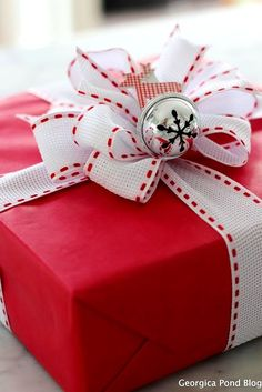 #Christmas gift #wrapping ideas ToniK ⓦⓡⓐⓟ ⓘⓣ ⓤⓟ red paper silver snowflake bell DIY #crafts