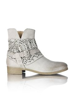 HUMANIC - Gamloong Leather Boots - http://www.humanic.net/at/Damen/Schuhe/Boots-Stiefeletten/Gamloong-Leder-Boot-grau-1243604064