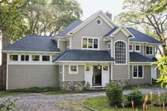 How to Change a Home's Exterior Color With a Paint Program thumbnail
