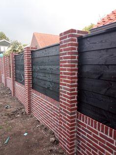 Small Garden Fence, Front Yard Fence, Backyard Fences, Fence Design, Garden Design, Brick Columns, Boundary Walls, Wrought Iron Fences, Cabin Interiors