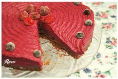 Torta s lesným ovocím zdroj: rawforum.sk  autor: Raw Mother&Daughter