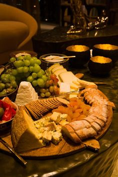 a great way to serve a cheese and bread platter