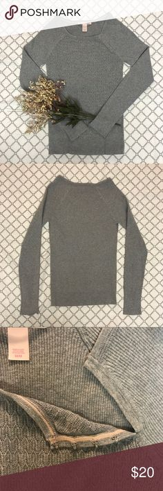 Victoria's Secret Long Sleeve Sweater ✨NWOT, PERFECT CONDITION ✨Material: 78% cotton, 22% nylon ✨So so so comfortable! ✨Tight fitting, very flattering! ✨Patterned in the middle, ribbed sleeves ✨Has four clasps on the side by the neck ✨Size is medium, but would fit a size small as well Victoria's Secret Sweaters Crew & Scoop Necks