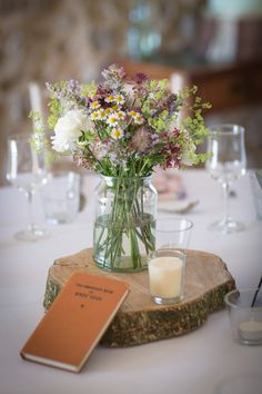 Wildflower Centerpieces, Simple Wedding Centerpieces, Country Wedding Decorations, Wedding Table Flowers, Wedding Arrangements, Flower Decorations, Flower Arrangements, Country Wedding Flowers, Centerpiece Flowers