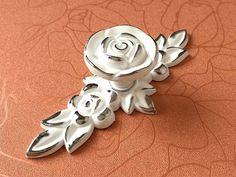 Shabby Chic Dresser Drawer Knobs Pulls Handles White Silver Rose   Flower  Kitchen Cabinet Knobs Handles Pull Ornate Knob Hardware Decorative e084aaacfee5