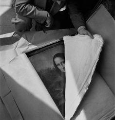 jonasgrossmann:  pierre jahan… retour des oeuvres au louvre, paris, 1946 @ pierre-jahan