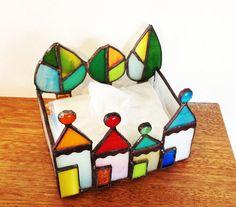 ステンドグラス*三角屋根のハウスとツリーの小物入れ*ポケットティッシュケース_画像2