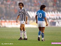 Diego Maradona vs Platini                                                                                                                                                     Más