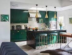 design trends 2021 - Google Search Kitchen Interior, Home Interior Design, Kitchen Decor, Kitchen Ideas, Kitchen Design, Emerald Green Decor, Popular Color Schemes, Green Kitchen, Open Plan Kitchen