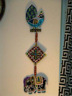 WALL HANGING — Craftziners Diwali Decoration Items, Thali Decoration Ideas, Diwali Decorations At Home, Paper Bag Crafts, Cardboard Crafts, Felt Crafts, Diwali Diy, Diwali Craft, Happy Diwali
