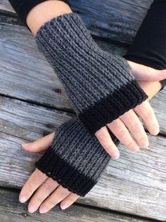 Womens Fingerless Gloves Hand Warmers Fingerless gloves Knit Gloves Wrist Warmers Texting Gloves Grey and black Fingerless Gloves Crochet Pattern, Fingerless Mittens, Knit Mittens, Knitted Gloves, Loom Knitting, Knitting Patterns Free, Hand Knitting, Texting Gloves, Wrist Warmers