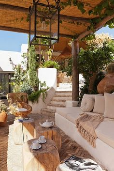 patios and outdoor rooms