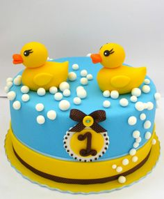 #Cute Rubber #Duckies #Birthday #Cake - We love and had to share! Great #CakeDecorating