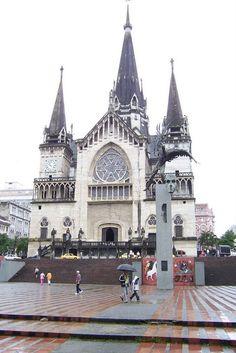 Catedral Basílica Metropolitana Nuestra Señora del Rosario de Manizales Lds, Cali, Cities, Kirchen, Notre Dame, Barcelona Cathedral, Iglesias, Building, Places