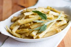 Sous vide parsnips with sage and brown butter Sous Vide Vegetables, Root Vegetables, Veggies, Parsnip Recipes, Healthy Sides, Vegetarian Paleo, Brown Butter, Great Recipes, Sage
