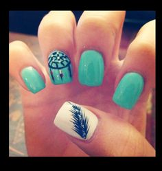 Feather fingernail design