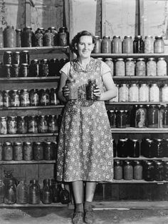 Colorado Sept Housewife Proudly Displays Her Home Grown and Canned Food. Antique Photos, Vintage Pictures, Vintage Photographs, Old Pictures, Old Photos, Vintage Images, Vintage Housewife, Great Depression, Thing 1