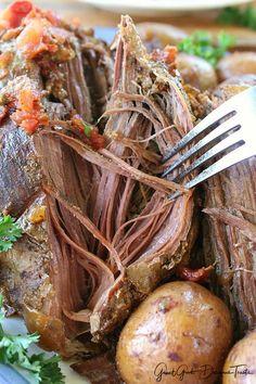 Crock Pot Boneless Beef Round Tip Roast - Great Grub, Delicious Treats Beef Round Tip Roast, Beef Sirloin Tip Roast, Sirloin Tips, Crockpot Rump Roast, Rump Roast Recipes, Boneless Chuck Roast Recipes, Pot Roast, Best Crockpot Recipes, Crockpot Meals