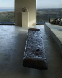 Epitomized by Belgian designer Axel Vervoordt, wabi-sabi is all about finding delicate balance between order and disorder, nature and craftsmanship. Wabi Sabi, Interior Architecture, Interior And Exterior, Casa Wabi, Interior Styling, Interior Decorating, Tadelakt, Interior Design Inspiration, Interior Ideas