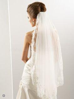 Wedding veil  Keywords: #weddingveils #jevelweddingplanning Follow Us: www.jevelweddingplanning.com  www.facebook.com/jevelweddingplanning/