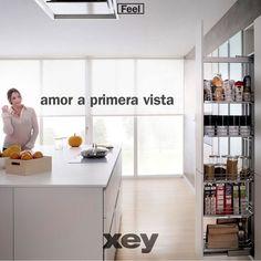 Muy buen día y una exitosa semana en este lunes de amor al trabajo a la vida y a la familia!  Gracias a todos quienes nos acompañaron esta semana en el stand en #Decoralia2017. Fueron días de mucho estrés pero de muchas más satisfacciones al conocer a tanta gente hermosa que forma la familia venezolana en #Caracas.  Gracias a todos por habernos hecho parte de su familia y llevar con ustedes un poquito de nuestra filosofía: #ViveTuCocina.  #XEYvenezuela #cook #Feel #live #diseñointerior…