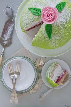 Swedish Princess Cake Recipe by Swedish Vegan - check out her phenomenal food photos and recipes here. Food Cakes, Cupcake Cakes, Cupcakes, Princess Torte, Princess Cake Swedish, Bolo Vegan, Gateaux Vegan, Cake Recipes, Dessert Recipes