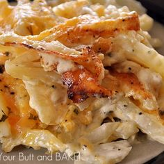 Another pinner said: THE BEST! Creamy Cheesy Potatoes follow the recipe exactly. My kids ask for these everyday! Great Recipes, Side Dish Recipes, Favorite Recipes, Amazing Recipes, Easy Recipes, Chicken Potatoes, Cheese Potatoes, Baked Potatoes, Chicken Bacon