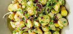 FRISKT: Hvorfor ikke lage hjemmelaget potetsalat til smørbrødet på jobb? Foto: BAMA