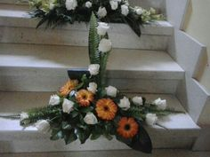 Arreglos florales Church Flower Arrangements, Altar Flowers, Floral Arrangements, May Designs, Black Flowers, Arte Floral, Ikebana, Funeral, Flower Designs