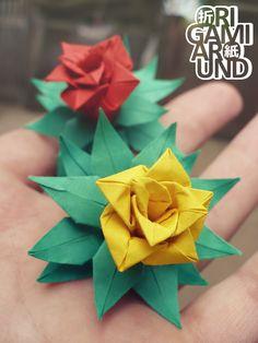 http://origamiaround.tumblr.com/post/165932552225/small-origami-flowers