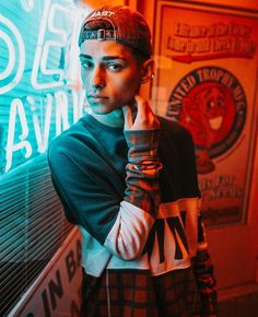 I like the lighting effects with the neon lights Neon Photography, Portrait Photography Men, Photography Poses For Men, Poses Pour Photoshoot, Men Photoshoot, Boy Poses, Male Poses, Inspiration Photoshoot, Poses Photo
