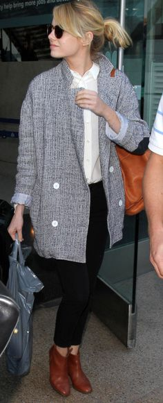 Emma Stone might've had the best airport outfit ever in this oversized, menswear-inspired blazer