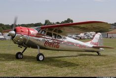 Few vintage planes have the classic lines of a Cessna 195A! #aviation #avgeeks #Cessna
