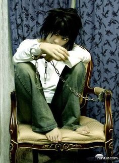 L Lawliet cosplay L Cosplay, Cosplay Anime, Best Cosplay, Cosplay Costumes, Tv Anime, Anime Plus, Anime Manga, Cosplay Death Note, Otaku