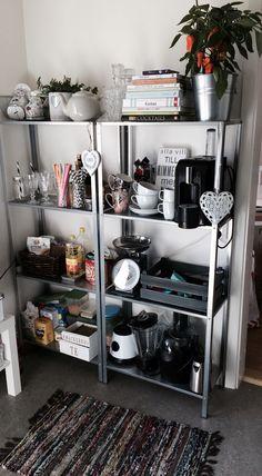 Not so clustered but same idea. Ikea Kitchen Storage, Ikea Kitchen Cabinets, Kitchen Decor, Diy Home Decor, Room Decor, Diy Casa, Inspired Homes, Layout Design, Apartment Living