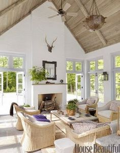 Shorely Chic: Wooden Beam Ceilings