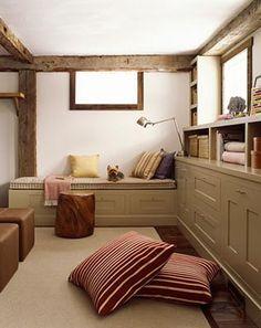 Granero transformado en oficina y sala de lectura  Reading room