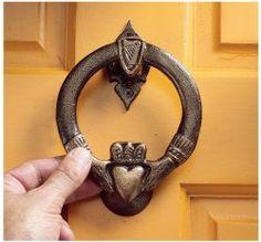For the front door - Design Toscano Claddagh Authentic Foundry Iron Door Knocker Celtic, Door Knobs And Knockers, Door Knockers Unique, Unique Doors, Iron Doors, Entry Doors, Entryway, First Home, Decoration