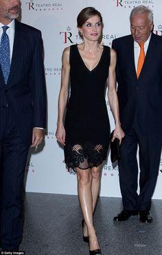 La Reina Letizia y su marido el rey Felipe en la apertura de la temporada de teatro real